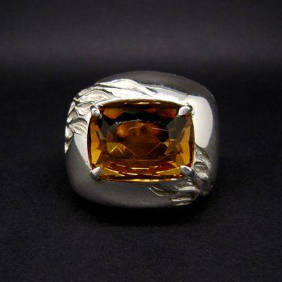 anello in argento e quarzo arancione